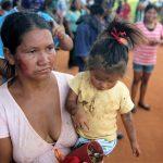 """Nação Guarani se manifesta contra """"sequestro institucional"""" de crianças no MS e prisões no Oeste do PR"""